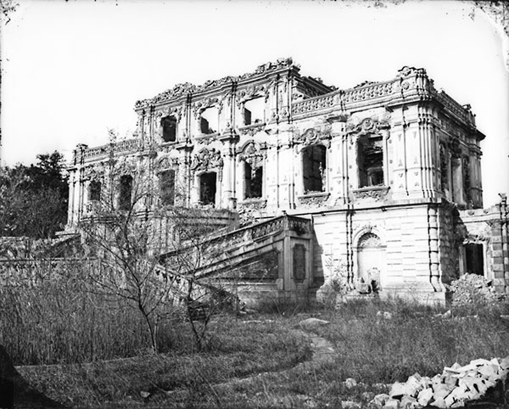 The Haunting Ruins of Beijing's Old Summer Palace 7